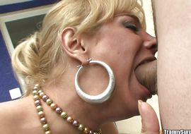 Delicious latin tgirl Walkiria Drummond gets his mouth and large round bum filled with large hard chopper