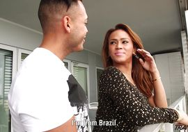 Savory latin trans Nicolly Nogueira does a job with his thighs during anal sex.