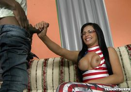 Sweet tgirl Bruna Butterfly gets a big meat rocket in his a-hole