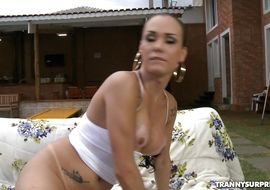 Attractive tranny Kalina got fucked in the wazoo and then he got down on his knees